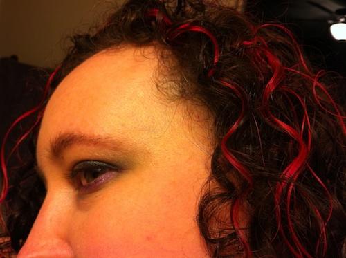 http://kadyellebee.com/kdlb/kristine_pink_curls_eye.jpg